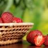 Як використовувати полуницю для шкіри обличчя?
