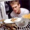 Як можна прибрати неприємний запах в холодильнику?