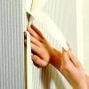 Як підготувати стіни до наклеювання шпалер