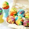 Як пофарбувати яйця барвниками оригінально