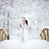 Весільна фотосесія взимку: чарівна казка або розкішний бал?