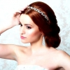 Весільна зачіска з діадемою: вибір справжніх принцес